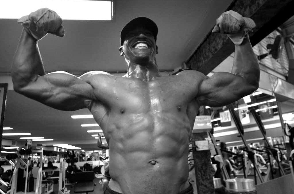 Wie viel Muskelmasse kann man ohne Steroide aufbauen? Natural Bodybuilding vs. Steroide